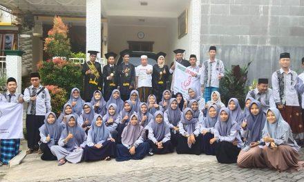 Life Skill Daarun Najaah Arak Tujuh Wisudawan dalam Penjemputan Wisuda