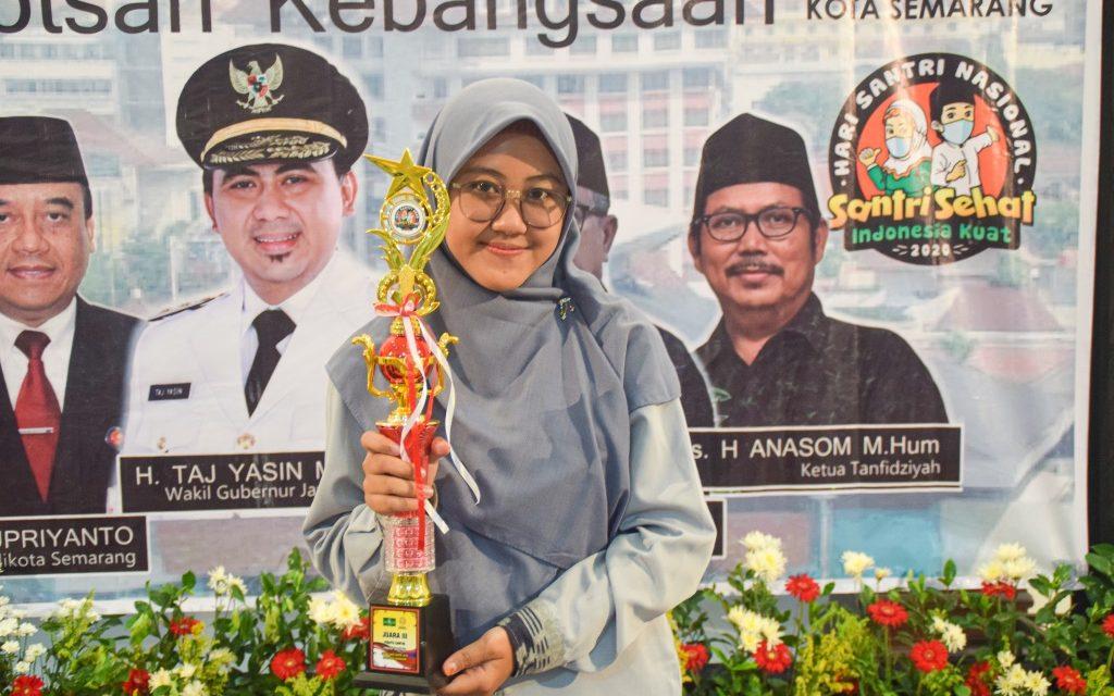 Farah Ayu, Putri Ketua PCNU Pati Ini Raih Juara 3 Lomba Pidato Santri Tingkat Nasional