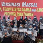 Santri Life Skill Ikuti Vaksinasi Massal